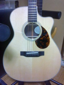 Breedlove_OM_Custom_Cutway_Body